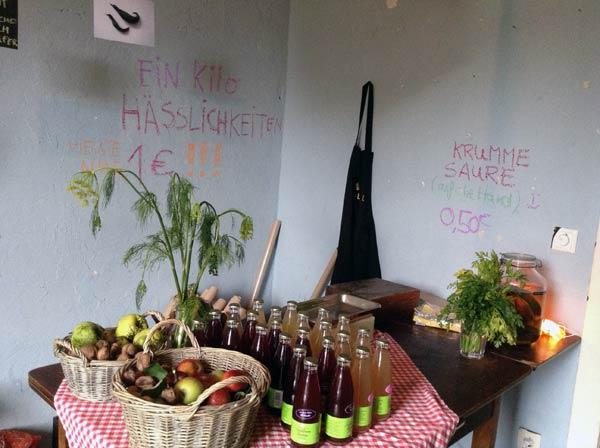 Hässliches Erntlein: Erntedankfest im Konsumkulturhaus LOKAL, Hamburg