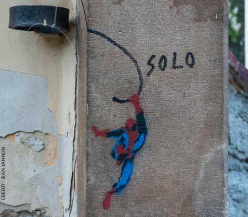 Vorbild gesucht: Superman, Streetart, Foto von Jean Jannon