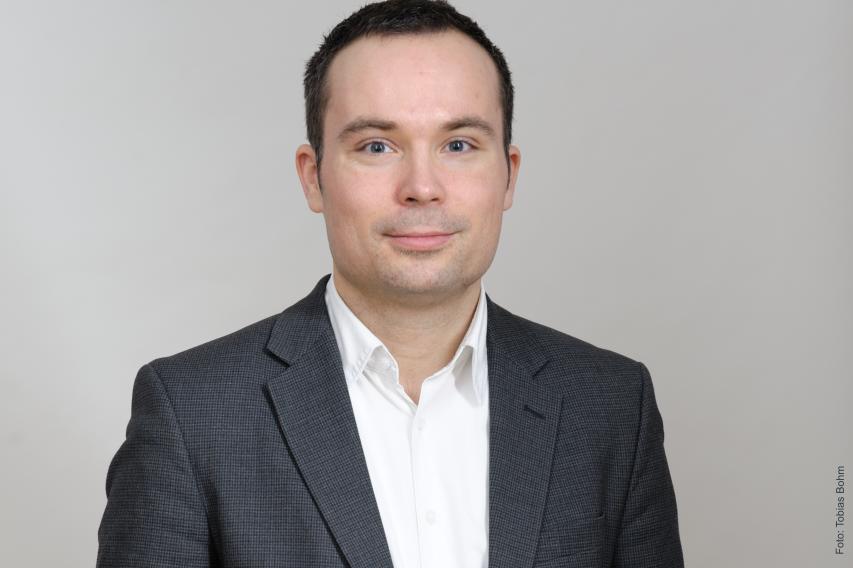 Zu Gast bei 7Talks: Gregor Hackmack von Abgeordnetenwatch.de