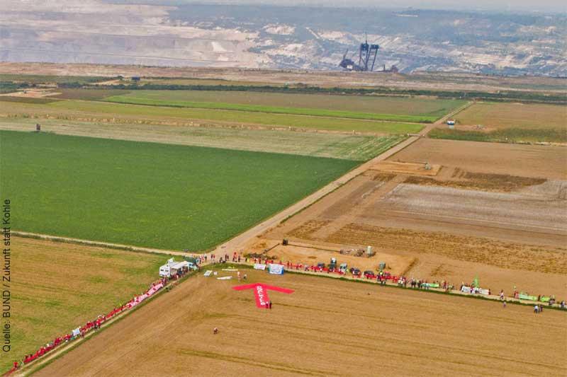 Rote Linie gegen Braunkohle: 3000 Aktivisten ziehen ihre Grenze