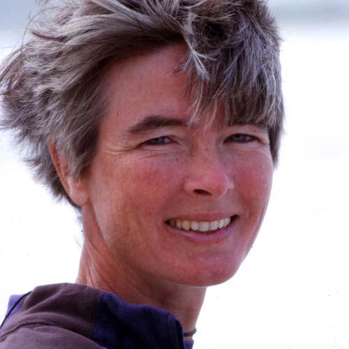 Katharina Henne: Kräuterwanderung bei der Konferenz für eine bessere Welt