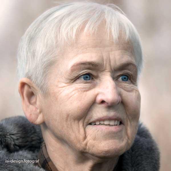 Adelheid Biesecker bei der Konferenz für eine bessere Welt