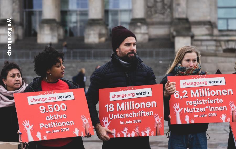 Gregor Hackmack - change.org